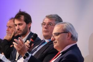 Olivier Bouygues, Directeur général délégué et Jean-Louis Chaussade, Président directeur général de Suez Environnement lors de la conférence plénière