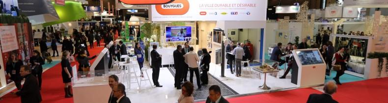 Vue du stand Bouygues dans le hall Ville Durable