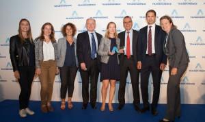 L'équipe de la Communication, Communication financière et la direction Juridique de Bouygues SA recevait le Grand Prix de la Transparence