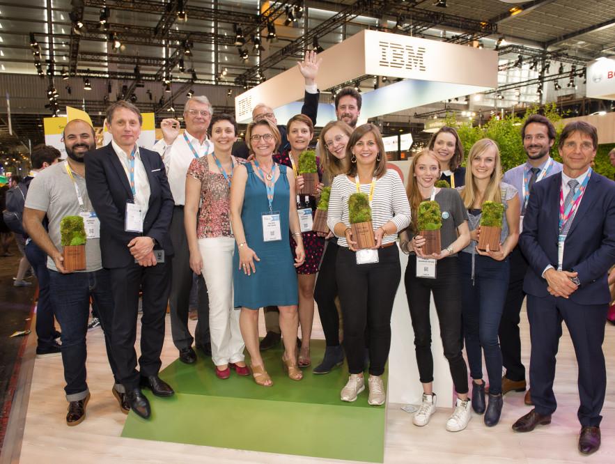 Les finalistes du challenge « Nouvelles technologies et économie circulaire » et les membres du jury